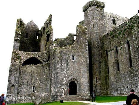 Khám phá pháo đài Rock of Cashel - Ireland